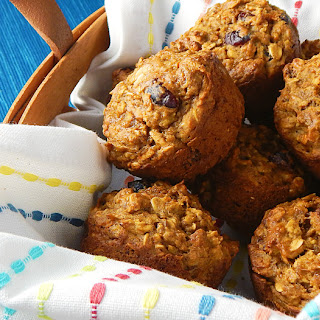 Healthy Grab 'n Go Breakfast Muffins.