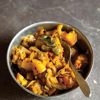 Bund Gobhi Aur Aloo Ki Subzi (Spicy Cabbage-and-Potato Curry).