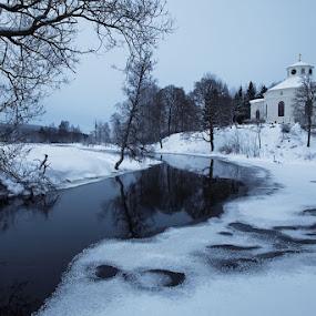 Silvberg Church by Claes Wåhlin - Landscapes Waterscapes ( sweden, silvberg, winter, snow, dalarna, grängshammar, river,  )
