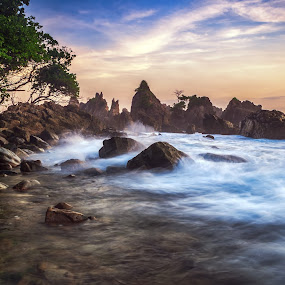 Rockin' Wave by Aditya Permana - Landscapes Waterscapes (  )