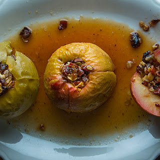 Baked Apples with Oats, Bacon, Chocolate and Raisins