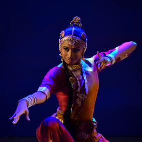 Indian Dance by Kavindu Anthony - People Musicians & Entertainers ( kannodu, kathak, dansing pose, srilankan, indian dance, saree, katak, south indian dance, dancer, culctural dance,  )