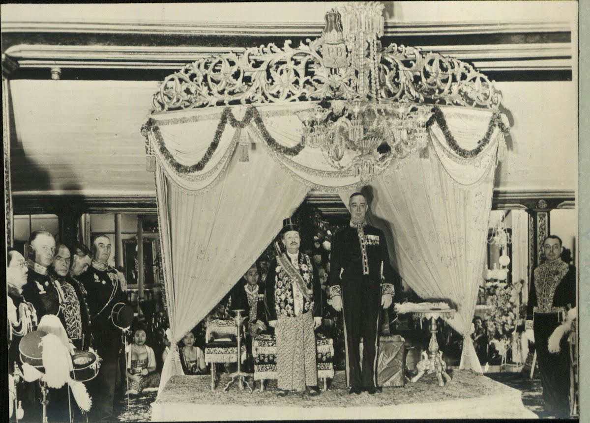 Dutch East Indies Java Sultan's Court