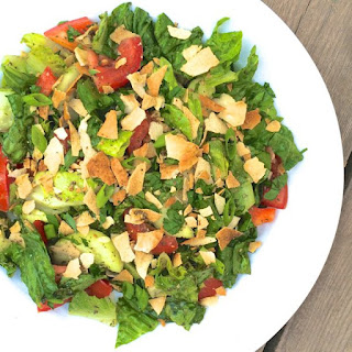 Fattoush {Middle Eastern Bread Salad}.