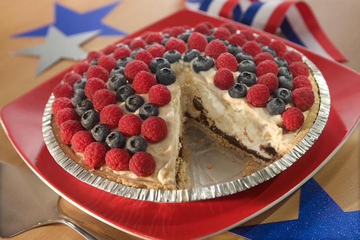 Vanilla Caramel Fudge 'N Berry Pie Recipe