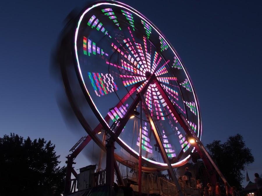 by Jim Dunn - City,  Street & Park  Amusement Parks