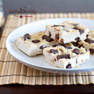 Chocolate Chunk Macadamia Nut Fudge (dairy, gluten free, paleo)