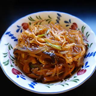 JAPCHAE (KOREAN STIR-FRIED NOODLES).