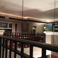 2 levels of dinning areas, cozy and beautiful, great place to bring  your friends and families here.
