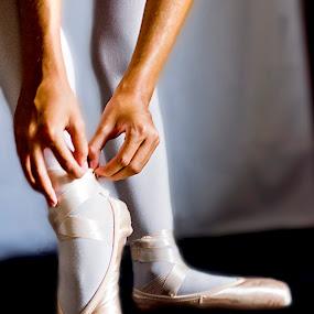 ballet by Marco Aquilina - Babies & Children Hands & Feet ( ballet lesson )