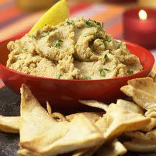 Mediterranean Hummus .