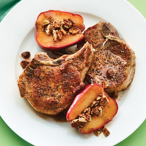 Breakfast Thyme Pork Chops with Quick-Cooked Apples Recipe