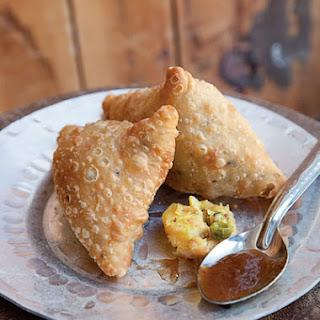 Potato Dumplings with Tamarind Chutney (Samosas)