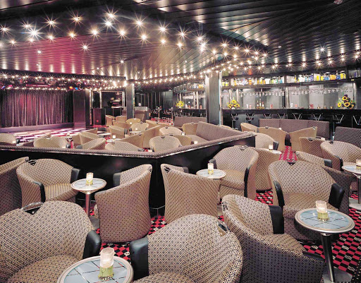 Norwegian-Sky-Dazzles-nightclub - Be entertained with cabaret performances while drinking and dining at Norwegian Sky's Dazzles Nightclub.