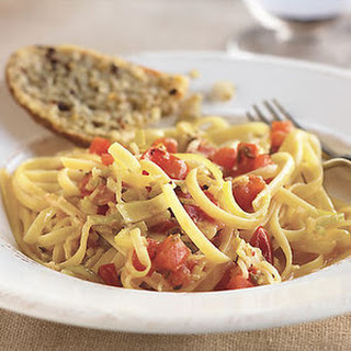 Chicken, Leeks, and Plum Tomatoes with Linguine
