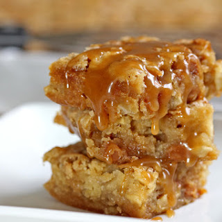 Cinnamon Apple Caramel Blondie Bars