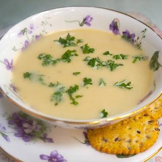 5-Ingredient Leek and Potato Soup