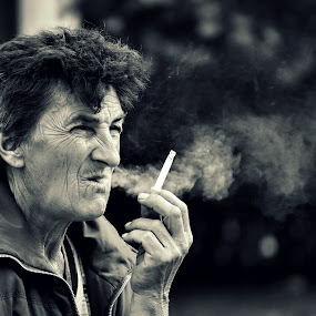 by Zec Mladen - Black & White Portraits & People ( black and white, old woman, people, portrait, smoke,  )