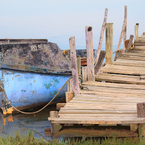 Down by the river by Naomi Pienaar - Transportation Boats ( vrydag 23 mei 17h00 trippie )
