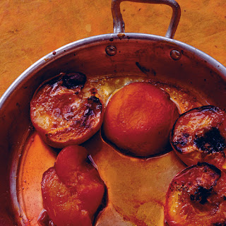 Baked Peaches with Maple Syrup & Vanilla.