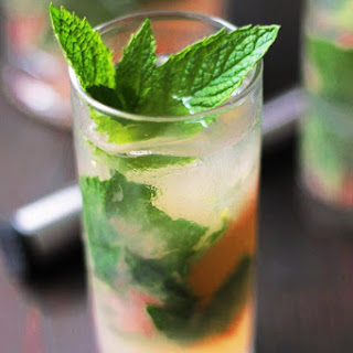 Champagne Grapefruit Pineapple Mojito