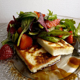 Strawberry Halloumi Cheese Salad Recipe