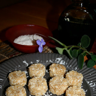 Raw Vegan Coconut Macaroons.