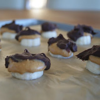 Dark Chocolate Frozen Peanut Butter-Banana Bites.