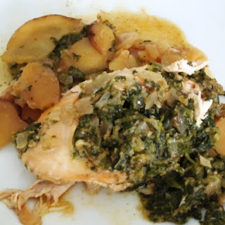 Slow Cooker Spinach and Pesto-Stuffed Chicken Breasts with Red Potatoes.