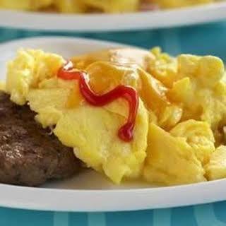 Cheeseburger-Topped Scrambled Eggs.
