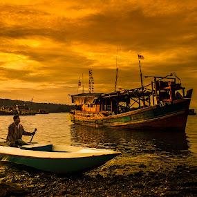 Boats by Naising Bega - Transportation Boats ( kota kinabalu, boats, evening )