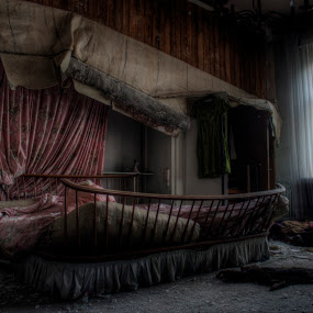 Have a good night by Greg Warnitz  - Buildings & Architecture Other Interior ( anna, goodnight, sleep, decay, abandoned, doctor )