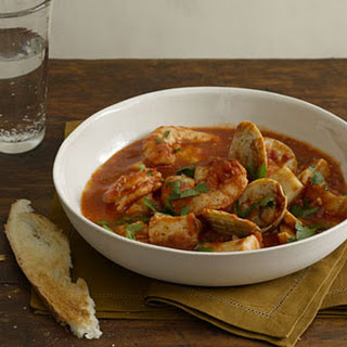 Cioppino With Garlic Toasts