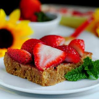 Fresh Strawberry Peanut Butter Bars