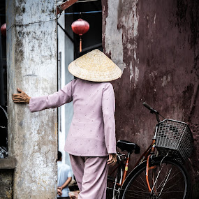 Hat by Callum Harris - People Street & Candids ( bike, street, asia, vietnam, people, asian, hat, Urban, City, Lifestyle )