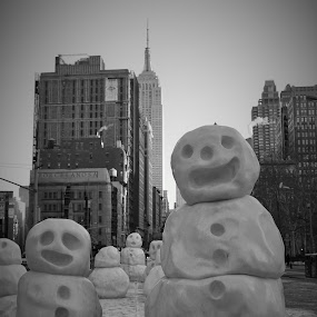 Snowman Family by VAM Photography - Black & White Street & Candid ( park, nyc, places, street photography )