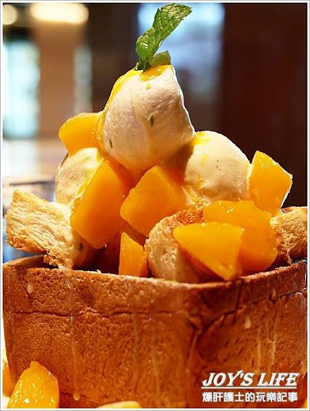 每個女孩心中都有座甜點山,今天就讓我們融化在芒果吐司裡吧!!紅色檳氛L'Air Rouge