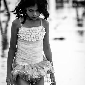 Little Girl by Suman Nag - Babies & Children Children Candids ( child, little girl, black and white, children, little, india, candid, kids, people, kids portrait )