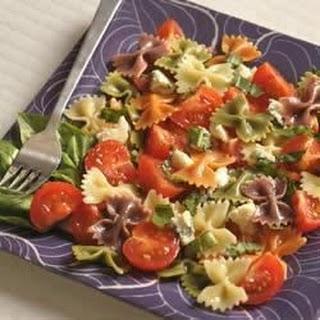 Wacky Mac® Five-Ingredient Tomato and Basil Salad