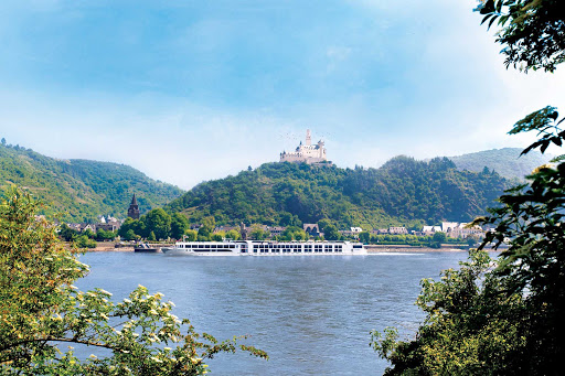 Uniworld-SS-Antoinette-Rhine-castle - Guests of S.S. Antoinette will discover medieval castles while travelling throughout the enchanted Rhine River region.