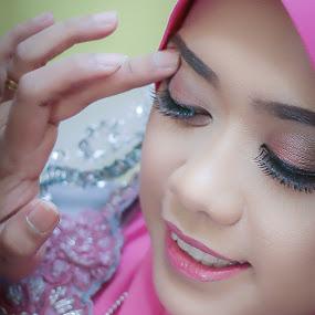 A little TOUCH UP!! by Mohd hafizan Ilias - Wedding Getting Ready ( wedding, woman, bride, portrait )