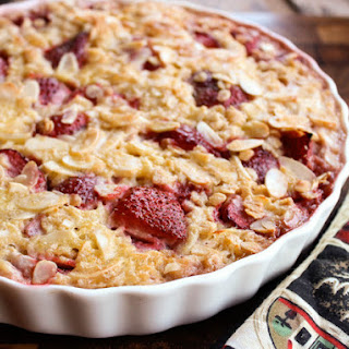 Strawberry-Almond Baked Oatmeal