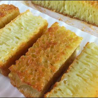 KUIH BINGKA AMBON (KUE BIKA AMBON; AMBON HONEYCOMB CAKE).
