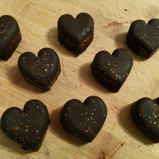 Homemade Chocolates With Quinoa And Almonds (clean Eats/vegan).