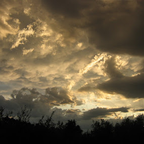 dawn by Marijan Alaniz - Landscapes Cloud Formations ( clouds, dawn, nature, landscape, alaniz, Lighting, moods, mood lighting, , Earth, Light, Landscapes, Views, #GARYFONGDRAMATICLIGHT, #WTFBOBDAVIS )