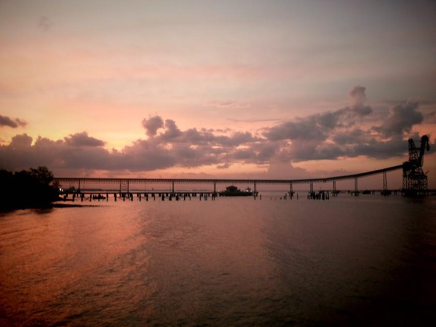 matahari terbenam by Rizky Kurniawan - Instagram & Mobile Android