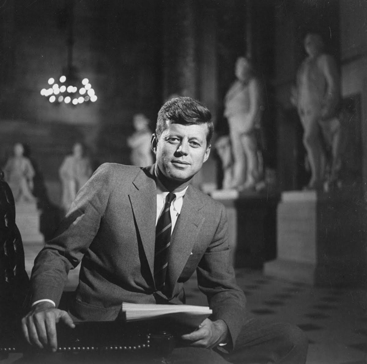 an introduction to the life of john f kennedy and john fitzgerald John fitzgerald kennedy born 29 may 1917, brookline, massachusetts, us assassinated 22 early life the second of nine children, kennedy was reared in a family that demanded intense his mother, rose, was the daughter of john f (honey fitz) fitzgerald, onetime mayor of boston.