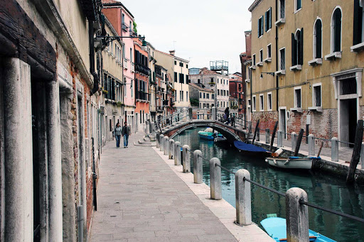 small-canal-venice-italy.jpg - Off the Grand Canal in Venice, Italy.