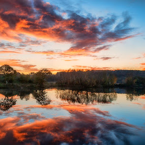 The end of the day by Jose María Gómez Brocos - Landscapes Sunsets & Sunrises ( clouds, sky, sunset, reflections, lake )