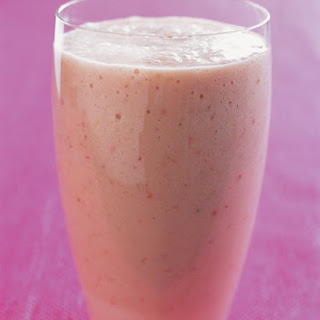 Peach-Strawberry Shake